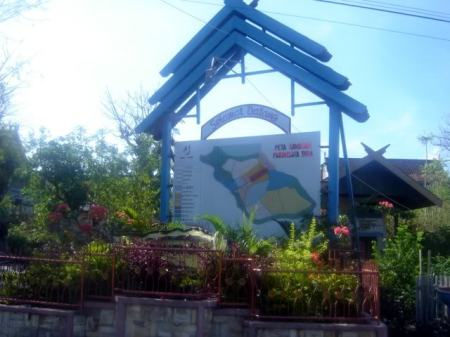 Gerbang Wisata Pantai Tanjung Bira