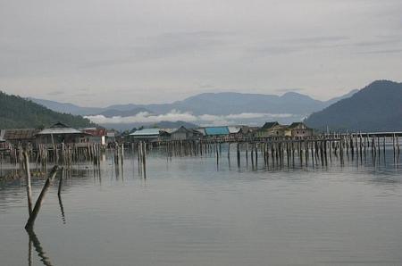 Rmah diatas laut suku Bajoe