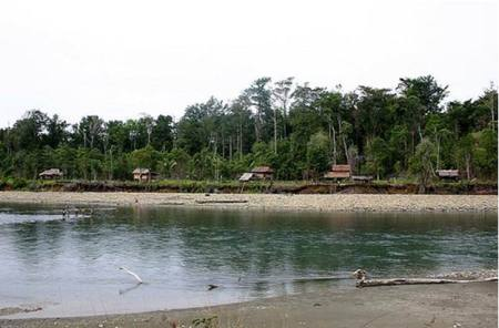 Pesisr pantai Hutan Lindung Marowali