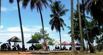 Pantai Lombanglombang