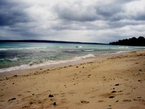 Pantai Laut Pulau Liwu Tongkidi